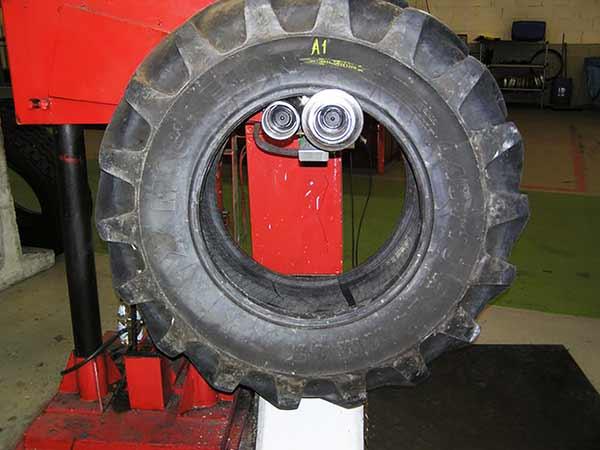 Visuelle Prüfung Reifen Felge Ventil